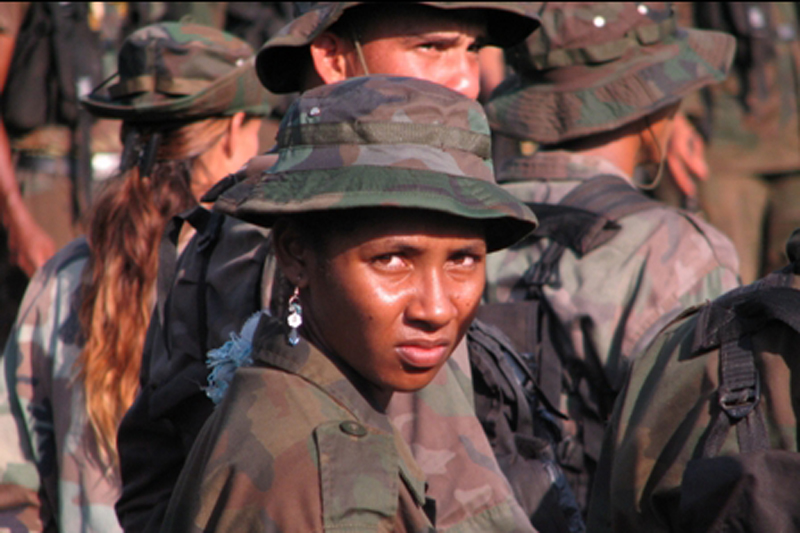 A total, 35,000 combatants from the United Self-Defense Forces of Colombia (AUC) demobilized; some 27,000 of them are now involved in the reintegration process with the Government of Colombia. © IOM 2006
