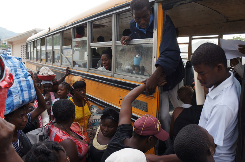 After the storm, IOM assists those evacuated back to their original camps. © IOM 2012