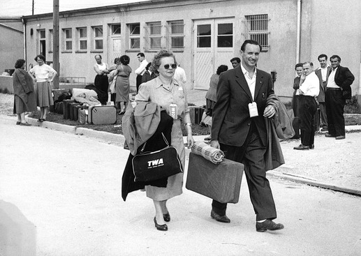 ICEM assumes responsibility for the resettlement, process and movement of refugees following the Soviet invasion of Hungary. One hundred and eight thousand Hungarians are assisted in their emigration from Austria and Yugoslavia. Photo © IOM 1958 – HAT0498