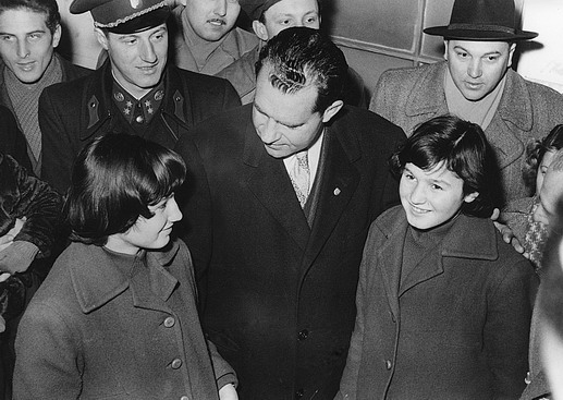United States Vice President Richard Nixon at ICEM headquarters in Vienna, shows support for some of the United States bound Hungarian refugees. Photo © Franz Fink 1957 – HAT0302