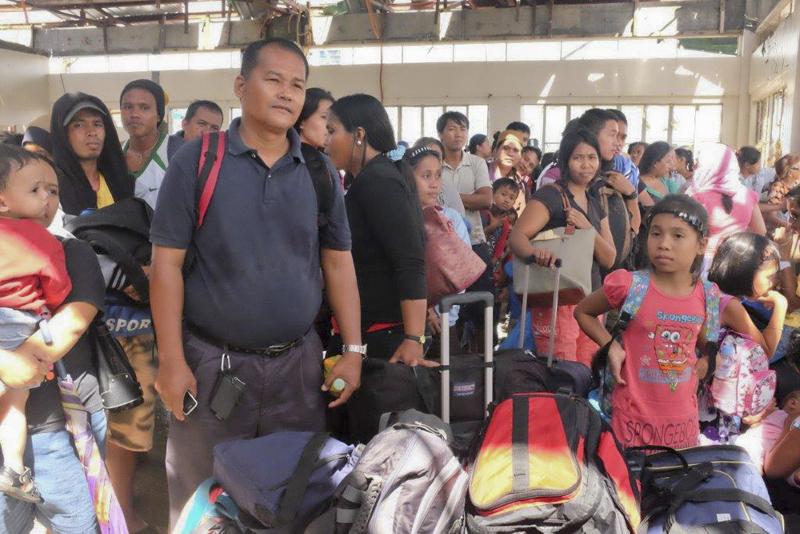 La OIM, el Gobierno de Filipinas y el ACNUR han establecido un registro para inscribir a los evacuados de Tacloban (Filipinas). © OIM 2013 (Fotografía de Leonard Doyle).