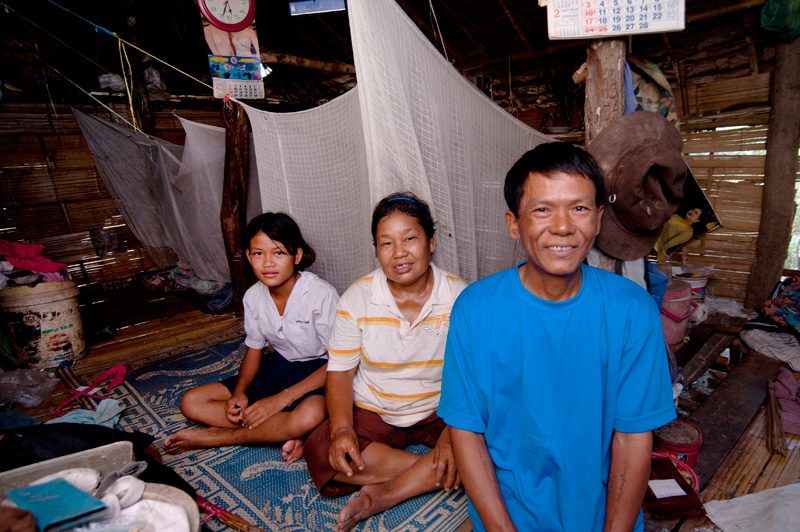 Inside the banana- and tongtung-leaf house. Poor ventilation  increases the risk of TB transmission.  © Mikel Flamm 2013