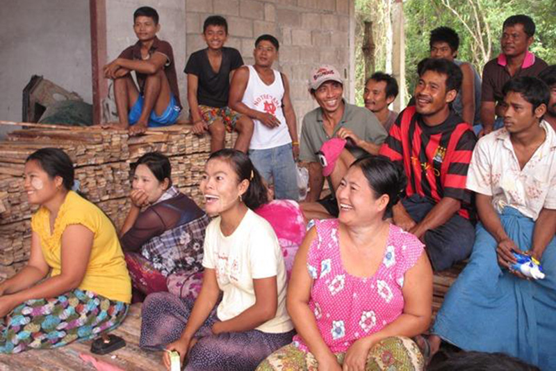 Behaviour change communication workshop in Phang province. © IOM 2014