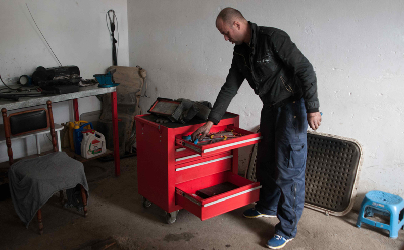 Alban Mali - Alban returned to Kosovo after spending a month in Hungary. Upon returning to Kosovo with IOM, Alban applied and received a reintegration business grant, which he used to establish a car mechanic business. The financial aid received from IOM enabled Alban to equip his car repair shop with the necessary tools. He says that this assistance, the only financial help he received upon his return, and his willingness to work hard, were the two main factors behind his subsequent success.