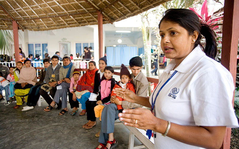 An IOM Medical Health Deparment staff conducts a medical briefing at LifeLine hospital in Damak, Nepal. Part of IOM's resettlement programme is to provide medical screening, cultural orientation and travel arrangements of refugees accepted for resettlement. © IOM/Kari Collins 2009 - MNP0116
