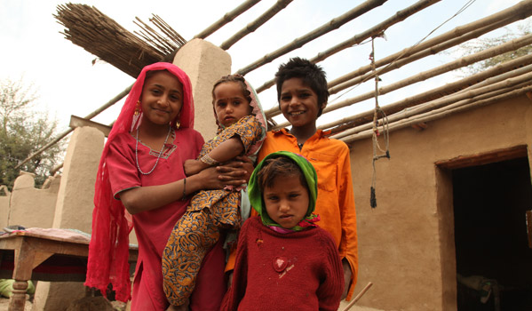 A One Room Shelter under construction in Sindh. © IOM 2012