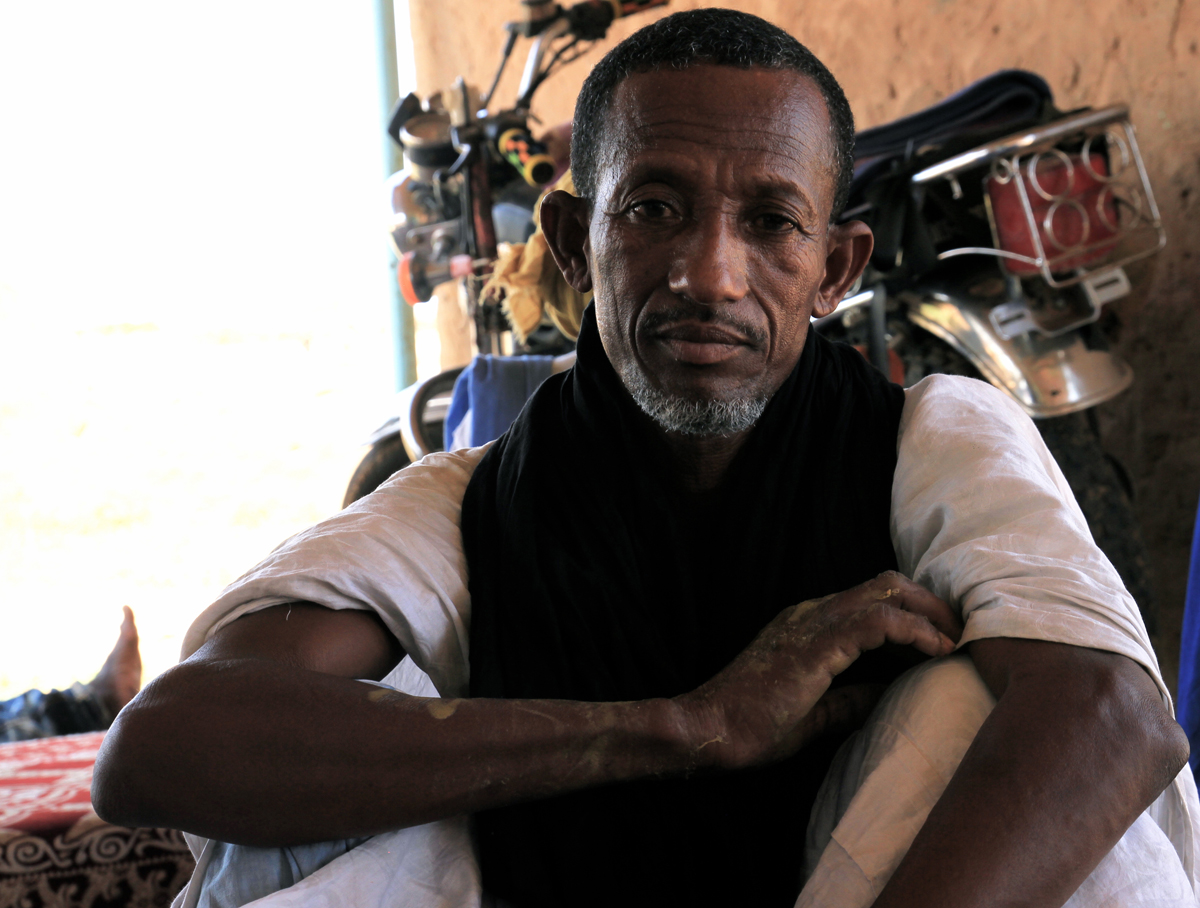 A beneficiary from the (Community Stabilization and Conflict Prevention) projects implemented in southeast Mauritania by IOM. The region, home more than 50,000 Malian refugees, is affected by a protracted food crisis.  Photo: IOM/F.Giordani