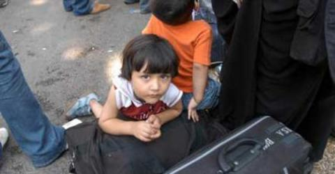 An Iraqi child awaiting evacuation from Beirut. @ IOM 2006