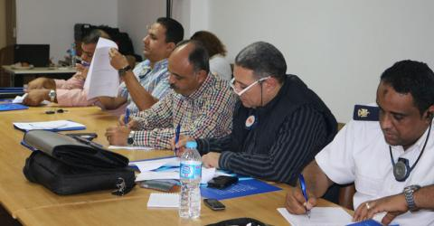 Egyptian immigration officers study passport examination techniques. Photo: IOM