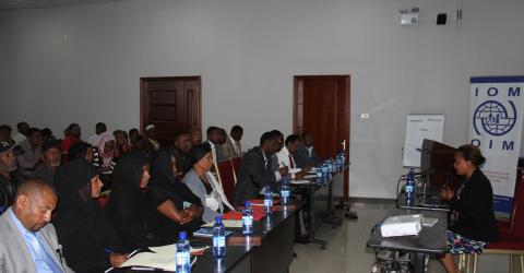 Some 120 potential migrants, change agents, and community representatives attended a sensitization workshop in Ethiopia aimed at raising the level of understanding on the impacts of irregular migration. © IOM 2015