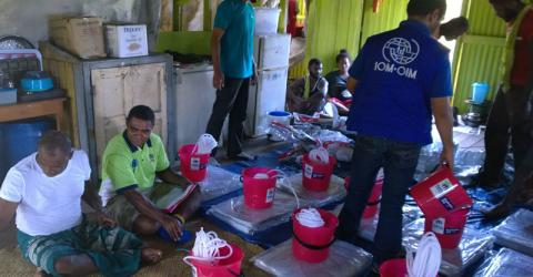 IOM delivers relief items to typhoon-affected communities in Fiji. © IOM/Vagi William 2016