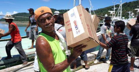 Non-food aid is delivered to the worst typhoon-affected areas in Micronesia. © IOM/Joe Lowry 2015