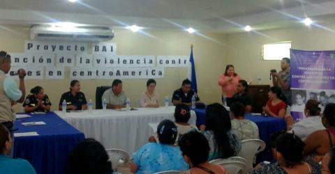 IOM provides office equipment for ten Women's Municipal Offices (OMM by their Spanish acronym) and two Gender Units of the National Police Force to help strengthen their capacity to address human rights violations against women and girls in Honduras. © IOM 2015