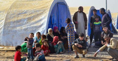 La OIM distribuye ayuda no alimentaria entre familias desplazadas en el campamento de Jadah. Foto: OIM