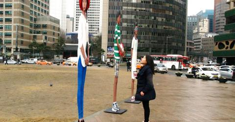Sculptures by Yi Hwan-Kwon - part of IOM's International Migrants Day campaign in South Korea - symbolize 1.8 million international migrants. (Photo: Yi Hwan-Kwon)