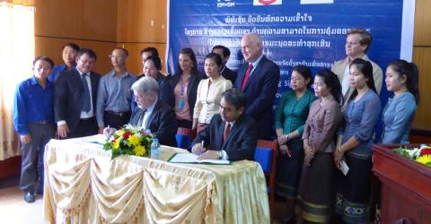 At the signing of an MOU for a project establishing a National Disaster Management Training Framework in Lao PDR, funded by the US Government were Doug Foskett, IOM Head of Office; Daniel Clune, US Ambassador;  Prasong Vongkhamchanh, Director-General, Department of Social Welfare; and Vilayphong Sisomvang, Deputy Director-General, Disaster Management Division. © IOM 2015