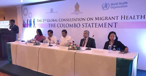 Representantes del gobierno de Sri Lanka, la OMS y la OIM en la ceremonia de cierre de la 2° Reunión Global. Foto: OIM.