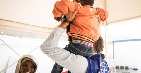 Una familia nigeriana retorna a su país desde Libia. Foto: OIM