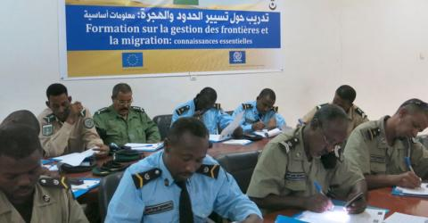 Mauritanian border police and Gendarmes study humanitarian border management. © IOM 2015
