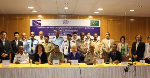 Mauritanian, EU and IOM officials take part in the handover. Photo: IOM