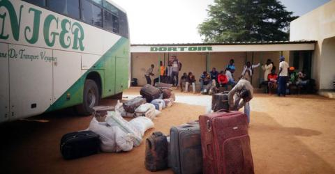 A IOM-chartered bus arrives in Niamey carrying stranded migrants from Agadez. Photo: IOM