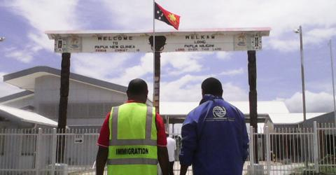 IOM, Canada and PNG Immigration officials conducting consultations with near-border communities. © IOM 2015