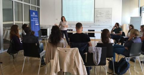 Workshop participants discussed several aspects of the role and practicalities of cultural mediation in a healthcare setting. Photo: IOM
