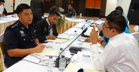 Thai and Malaysian immigration officers work together to improve border security and combat human trafficking. Photo: UN Migration Agency (IOM) / Siripa Anuntawong