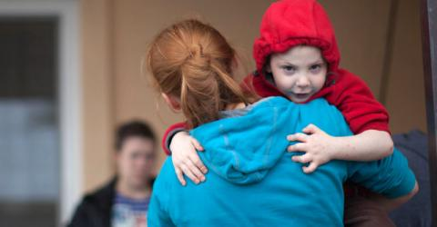Displaced families in Nikopol, Southern Ukraine, find integration challenging. Photo: Ben Robinson/IOM