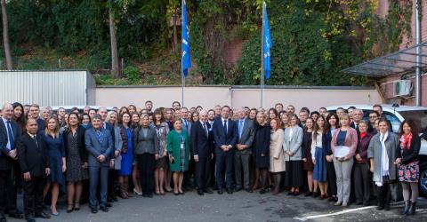 DG Swing with IOM Ukraine staff. Photo: IOM