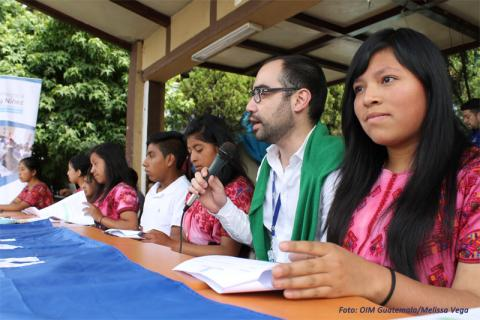 José Diego Cárdenas, Coordinador Nacional de OIM en Guatemala, acompañó la actividad con las y los adolescentes.