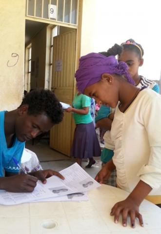 IOM provides transport assistance for Eritrean refugees registered at Ethiopia's Endabaguna screening center to camps provided by the country's Administration for Refugee and Returnee Affairs (ARRA) and UNHCR in Tigray region. © IOM 2015