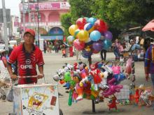 Los niños y adolescentes corren un mayor riesgo de ser víctimas de la trata, de la explotación sexual y de la explotación laboral como vendedores ambulantes en la ciudad de Tapachula (México), y como trabajadores agrícolas en las zonas aledañas.  © OIM 2012 (Foto tomada por Niurka Pineiro)