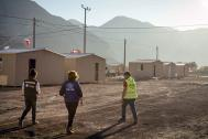 IOM has worked to improve the infrastructure of eight temporary shelters and 300 houses in Chile. © IOM 2015