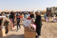IOM distributes non-food items to people displaced in Fallujah, Iraq.  Photo: IOM 2016