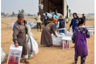 IOM distributes non-food items to internally displaced people in Qayyara, near Mosul, Iraq. Photo: IOM