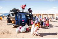 Migrants passing through a transit town in Niger's Agadez region. Photo: Amanda Nero / IOM 2016