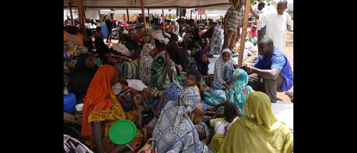 Les 8 et 9 février, l'OIM a aidé 609 personnes à quitter Bangui. Cependant, les évacuations aériennes ont été suspendues jusqu'à l'obtention de fonds additionnels. © OIM 2014 (Photo de Sandra Black)