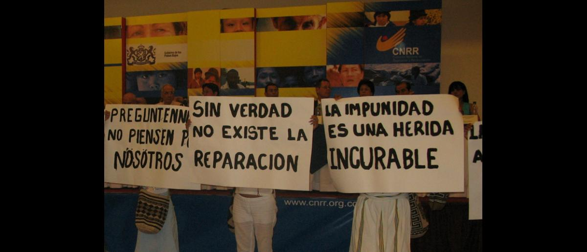 Colombian indigenous population met with the National Commission for Reparation and Reconciliation to demand the truth about the violent acts committed against them. © Fucude archive.