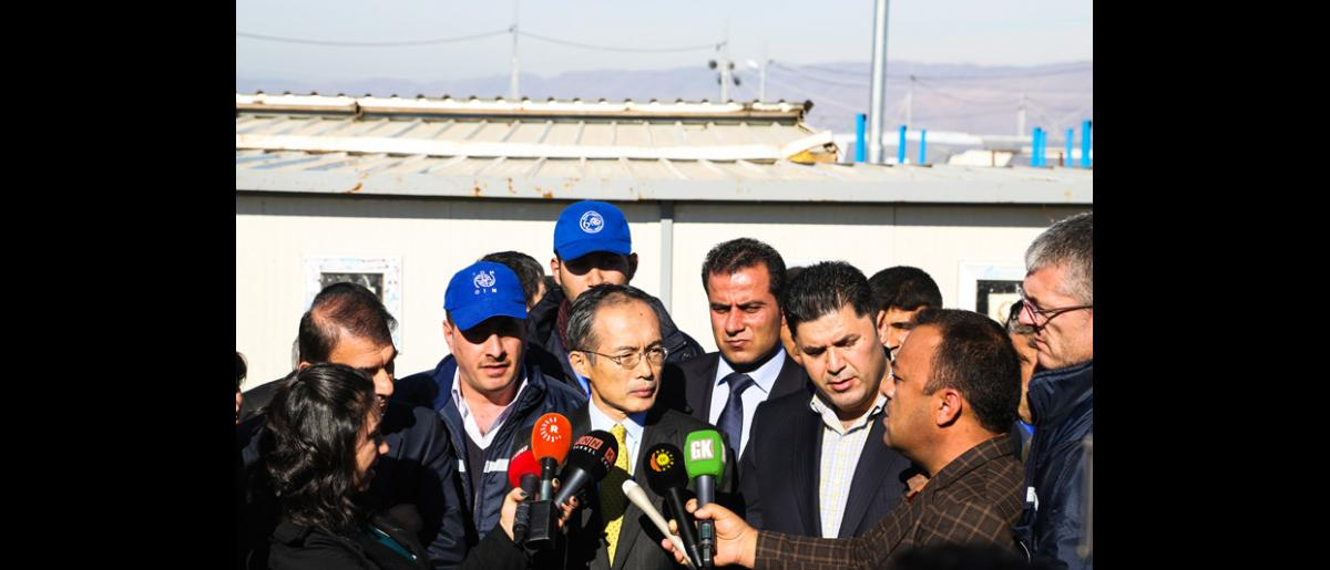 The Japanese Embassy delegation visit prompted much interest from local and international media. © IOM 2014