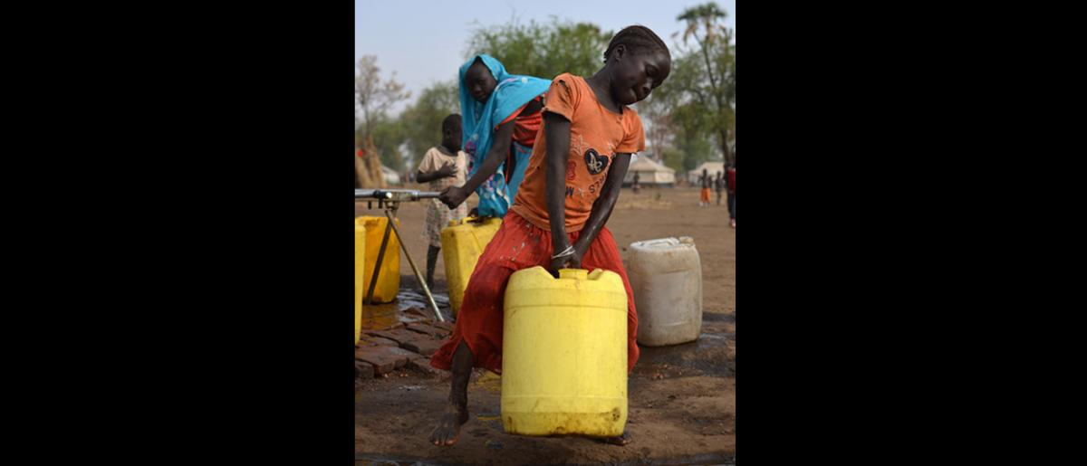 Women and girls are responsible for collecting water for their families. When water points are far from their homes, they have to walk long distances, which is time consuming, tiring and may expose them to violence including SGBV. In response to this risk, IOM, in consultation with community members, constructs water points near residential areas to ensure they fit the needs of all members of the community, including women and girls.