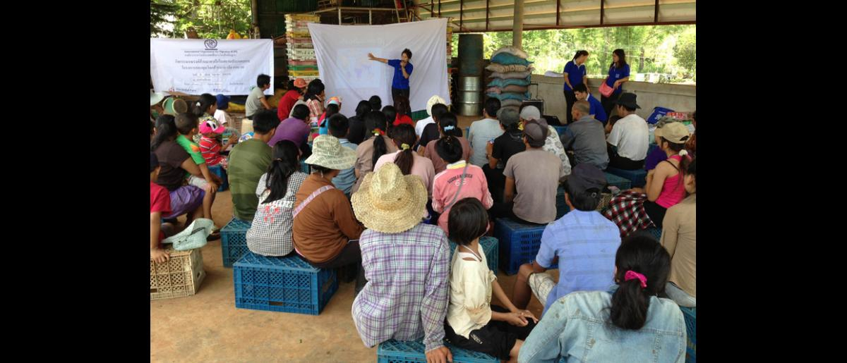 IOM staff reach out to vulnerable migrant workers in Mae Hong Son, Chiang Mai and Phang Nga. © IOM 2014
