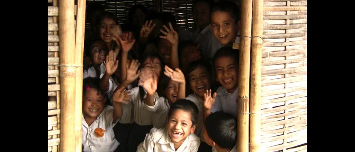 Children in schools inside Beldangi 1 camp in Damak, Nepal. © Doria Bramante 2008 - MNP0051