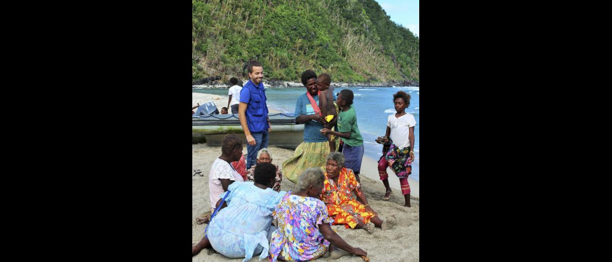 13 May 2015, Mataso island, Vanuatu: Mr Alberto Preato, IOM's Shelter and Settlement Program Manager, spent many weeks with the Mataso community in Port Vila and accompanied them on their homeward journey. © UNDP/Francisco Santos-Jara del Padron 2015